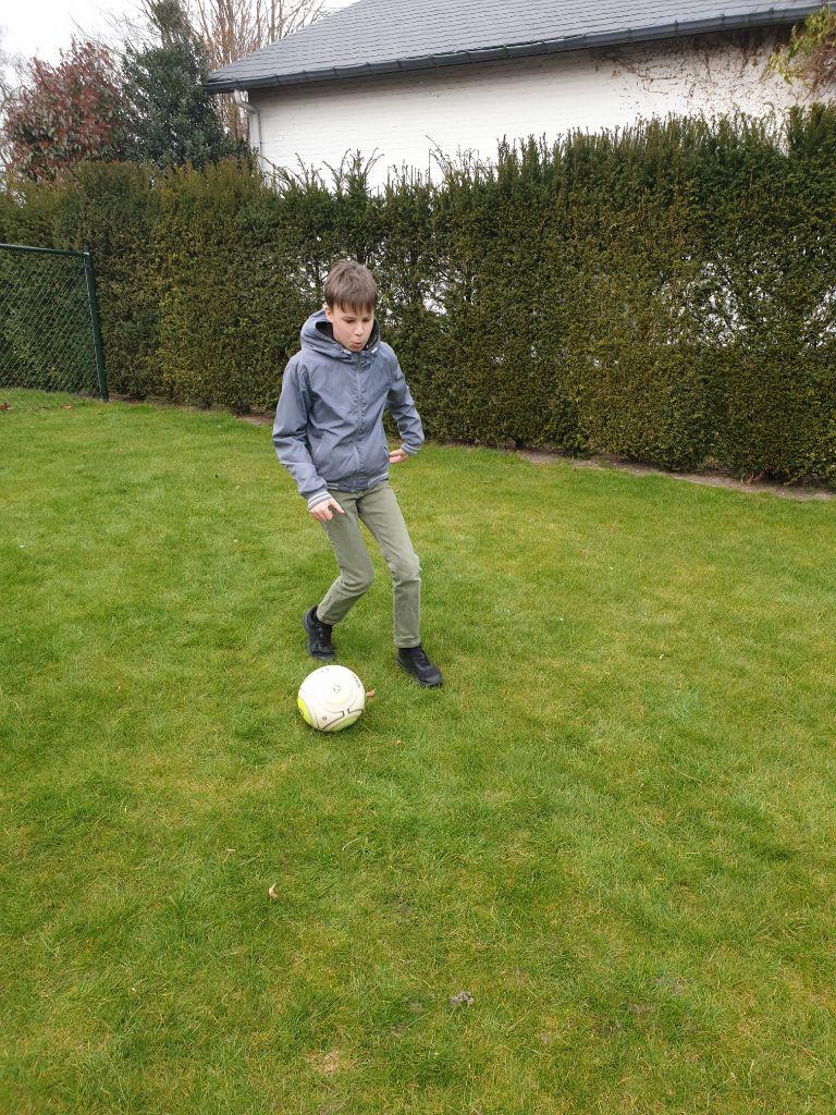 Nathalie Godart Praktijk bij de Hand voetbal motoriek